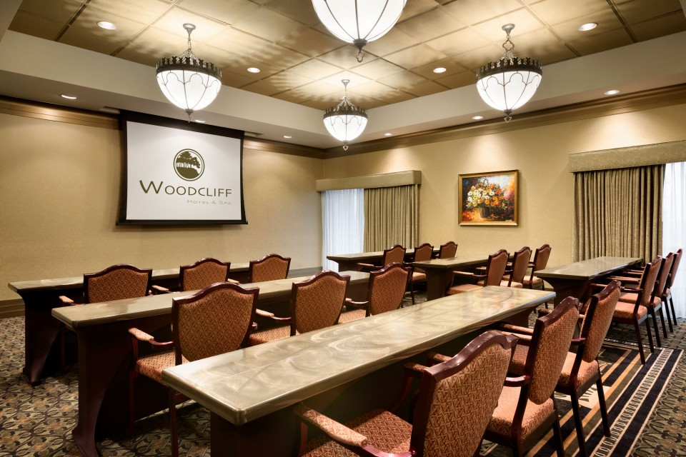 Woodcliff Hotel & Spa meeting room